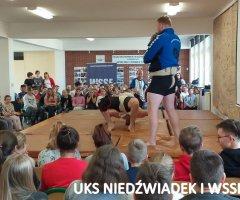 pokazy-w-swiebodzickich-szkolach-treningi-z-mistrzami-10