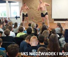 pokazy-w-swiebodzickich-szkolach-treningi-z-mistrzami-4
